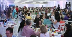 Jantar reuniu 400 pessoas na confraternização de fim de ano  - Foto: Divulgação