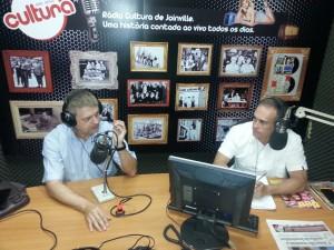 Vice-presidente da Fenacon sendo entrevistado pelo comunicador Osny Martins - Foto: Assessoria Sescon/SC