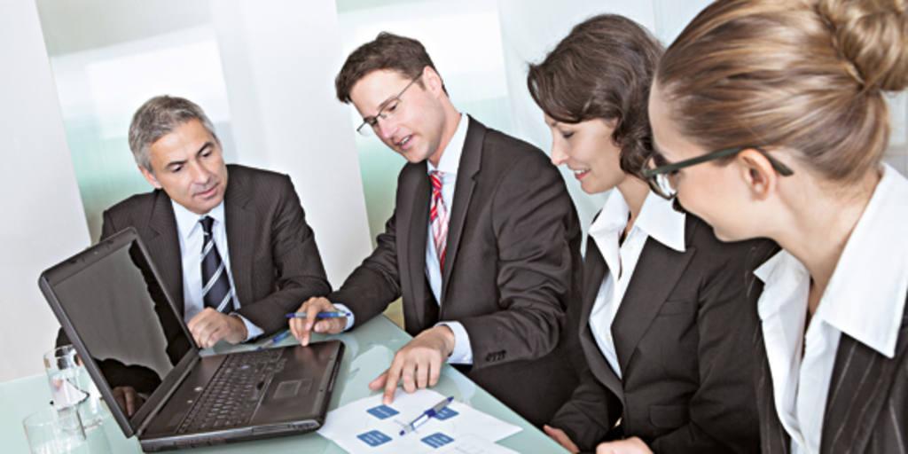 Líder não é quem ocupa determinada posição hierárquica, mas quem exerce influência e apresenta performance - Foto: Isto É Dinheiro