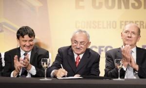 assinatura-Cesar-Tadeu-279-1024x620