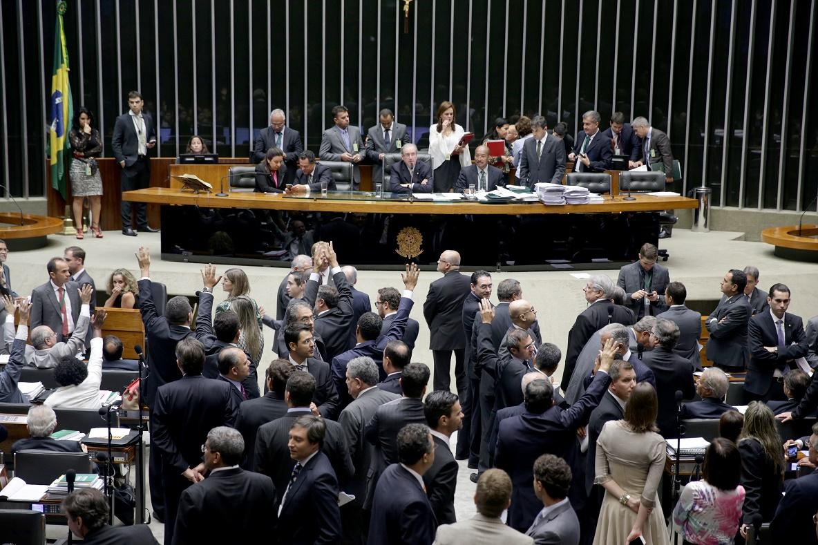 Deputados aprovaram MP que também reduz benefícios fiscais da Lei do Bem - Foto: Ananda Borges/Câmara dos Deputados