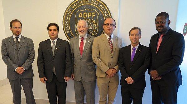 Presidente e diretores da Fenacon assinaram a carta de apoio - Foto: Divulgação
