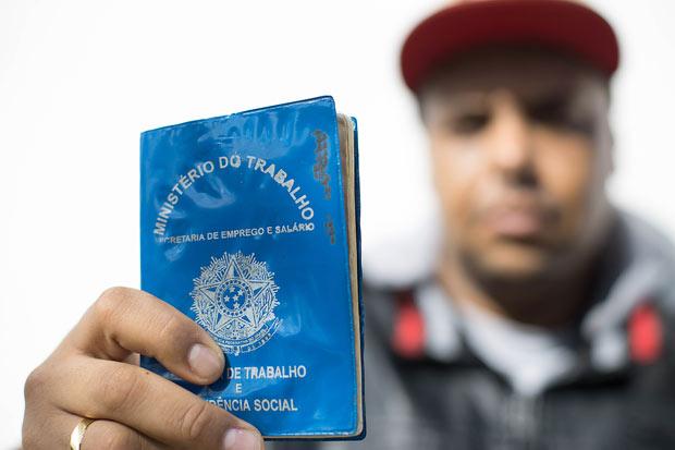 Carlos trabalhava na Prol Editora e foi demitido em dezembro. Até agora não recebeu nada - Foto: Divulgação