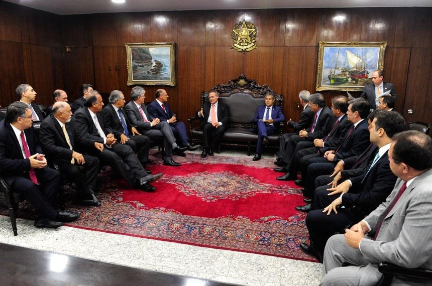 Em fevereiro Renan recebeu os governadores para tratar de questões federativas que levassem ao crescimento dos estados - Foto: Divulgação