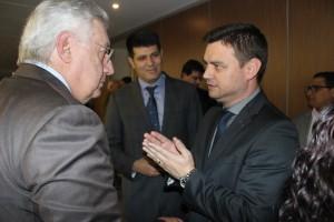 Ao final, o Presidente do Sescon, Fernando Baldissera conversa com o Presidente do Sebrae Nacional, Afif Domingos.