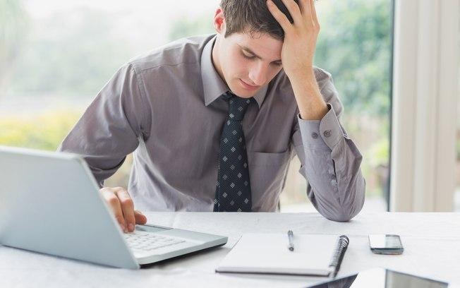 Thinkstock/Getty Images Muitos trabalhadores, incluindo os Millennials, não admitem ter depressão por causa do trabalho