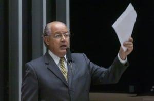 Relator do projeto, deputado Luiz Carlos Hauly