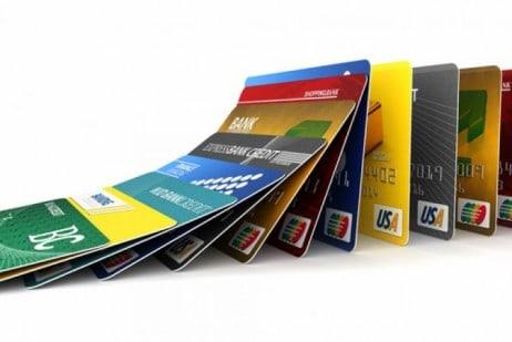 Cresce taxa de juro anual no crédito rotativo para quem paga o mínimo