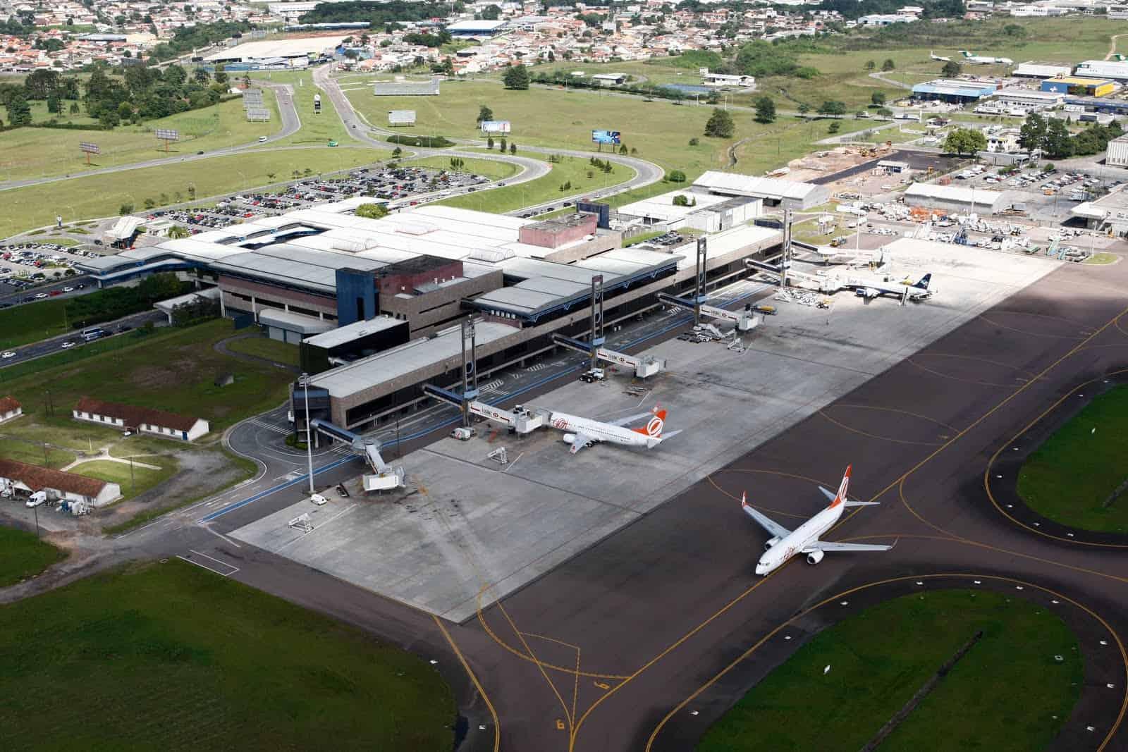 Aeroporto Internacional Afonso Pena (CWB), localizado na Grande Curitiba no Paraná.
