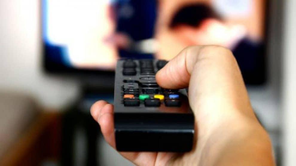 Número de assinantes de TV paga recua 3,9% nos últimos 12 meses