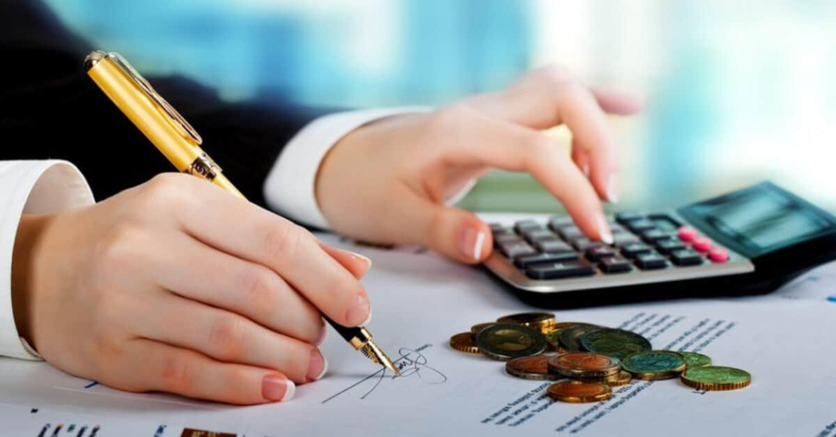 Juros dos empréstimos devem continuar em queda, mas vão seguir longe da Selic