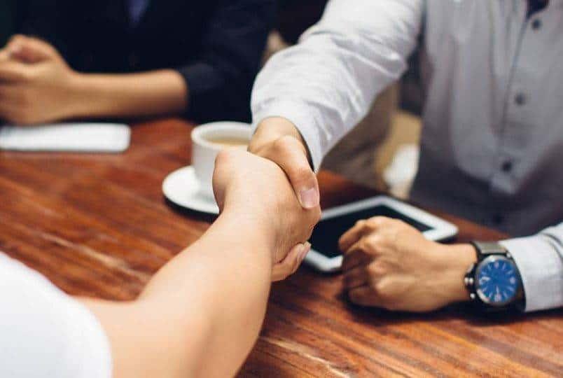 Confiança empresarial recua 1,4 ponto, diz FGV