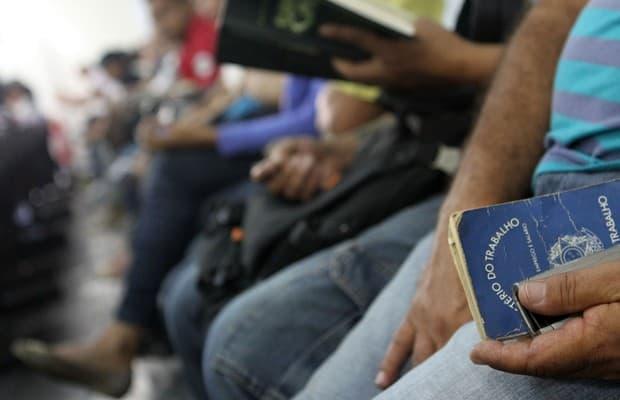 Desemprego cresce e atinge 12,6%; país tem 13,1 milhões de desempregados