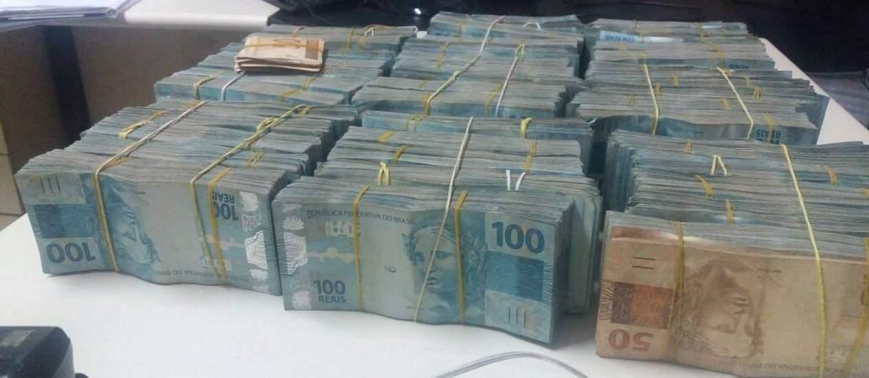 Receita faz operação em Florianópolis para combater fraudes na declaração de dinheiro em espécie