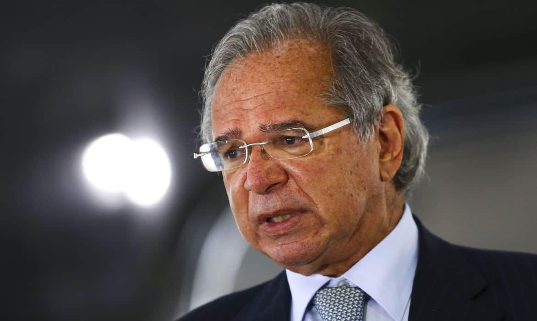 Paulo Guedes prepara novas medidas para socorrer economia contra COVID